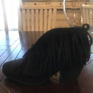 BRAND NEW NEVER WORN BLACK BOOTIES